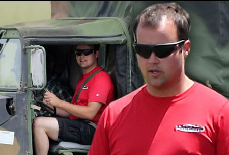 Josh Duggar selling used cars