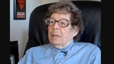 Gay and Lesbian Rights Pioneer Phyllis Lyon Dies At Age 95